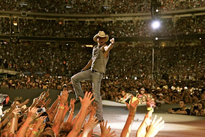 Giveaway: Kenny Chesney Concert Tickets!